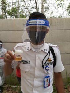 BNNK OGAN ILIR TES URINE DENGAN PROTOKOL KESEHATAN DI PT. JAPFA DESA LUBUK BANDUNG